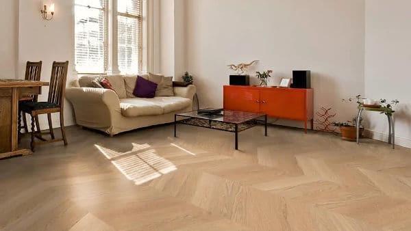 Wat zijn de voor- en nadelen van een massief houten vloer